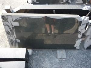 granitnye-pamjatniki-vystavka-38