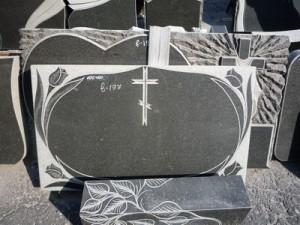 granitnye-pamjatniki-vystavka-44