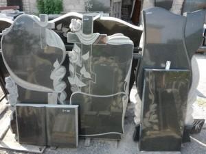 granitnye-pamjatniki-vystavka-47